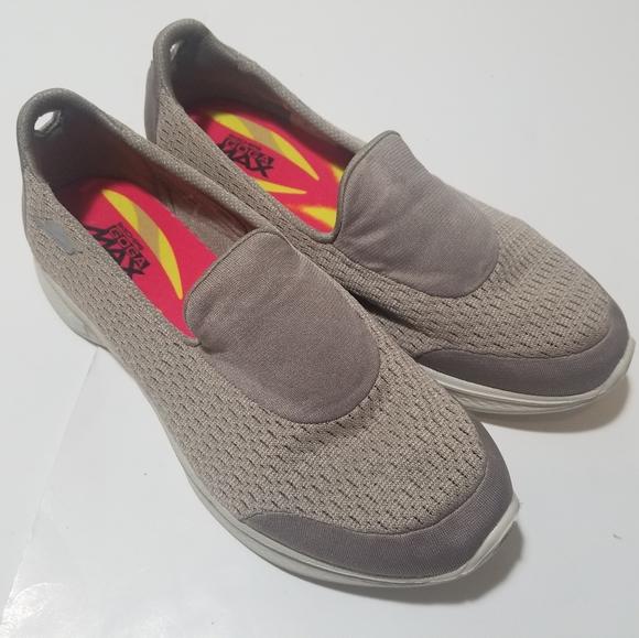 Avanzar Semicírculo vehículo  Skechers Shoes | Go Walk 4 Goga Max Flats Sneakers | Poshmark